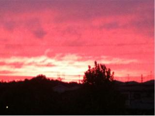 空が真っ赤