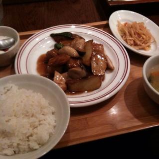 揚げ白身魚とエリンギのオイスター炒め